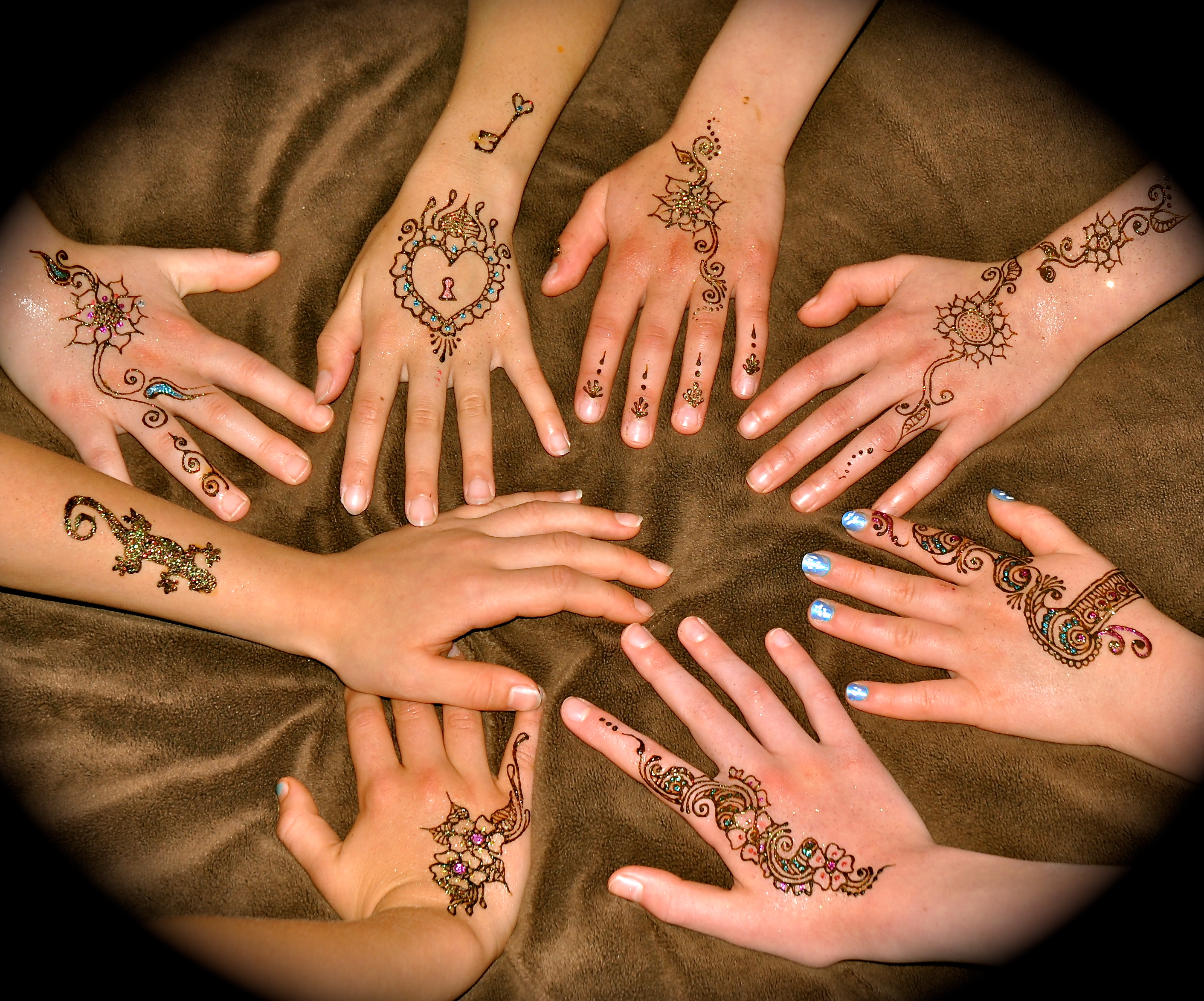 Mehndi Party Invites : Learn about henna parties morrowcenter